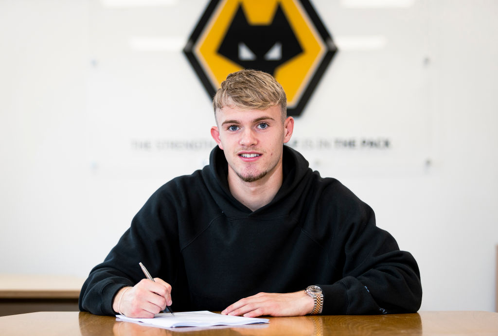 Taylor Perry Signs Contract Extension With Wolverhampton Wanderers